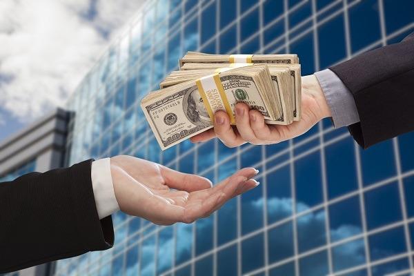 финансовая помощь от инвесторов