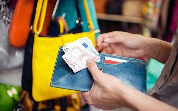 мало денег на путешествия